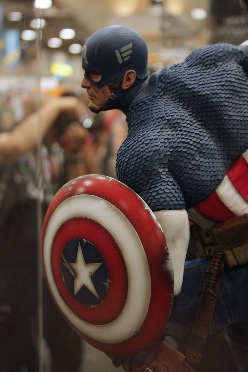 """CAPTAIN AMERICA """" ALLIED CHARGE ON HYDRA """" Premium format Img_4214"""