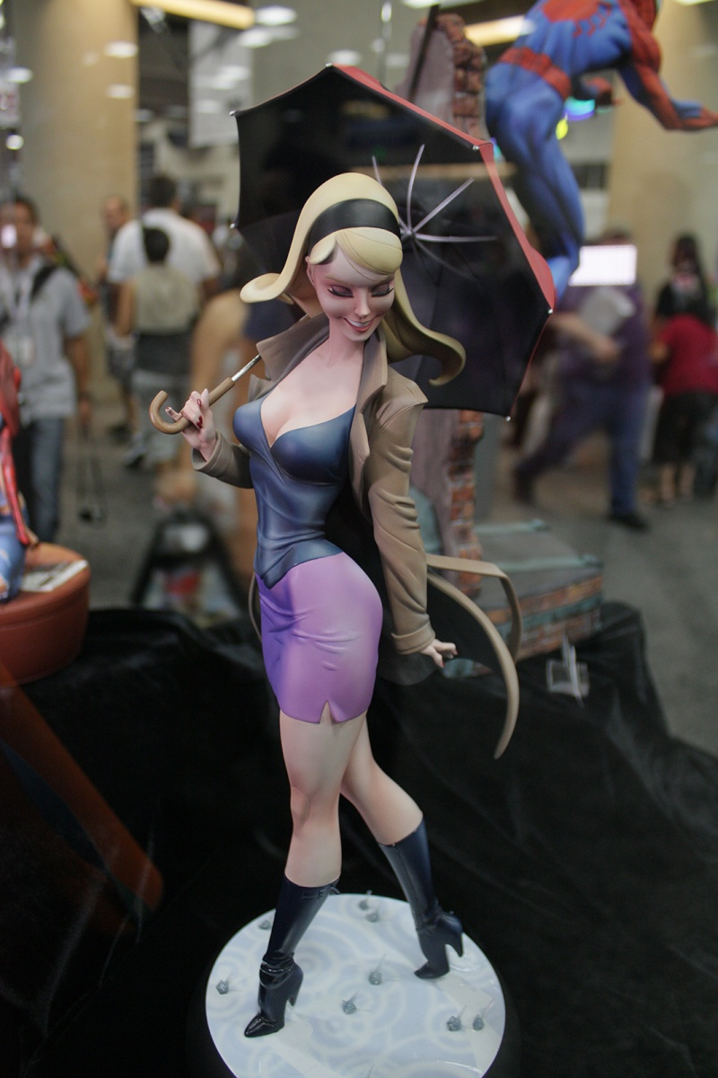 """GWEN STACY """"J.SCOTT CAMPBELL"""" Comiquette - Page 2 Img_4318"""