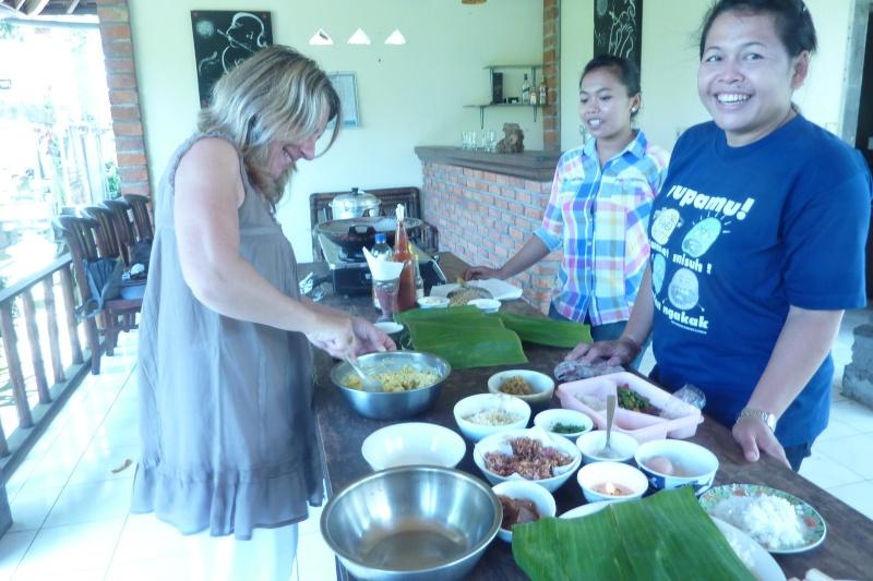 Bali, cuisine et décor - Page 3 P1030116