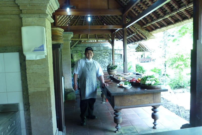Bali, cuisine et décor P1030211