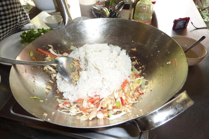 Bali, cuisine et décor P1030215