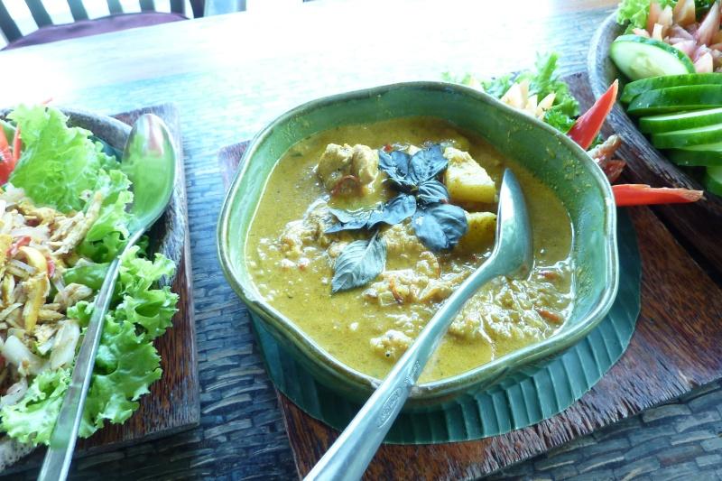 Bali, cuisine et décor P1030222