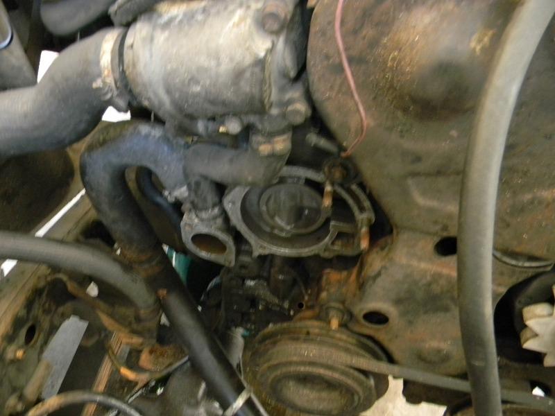 Changement de la pompe à eau sur les moteurs J8S Dscn0715