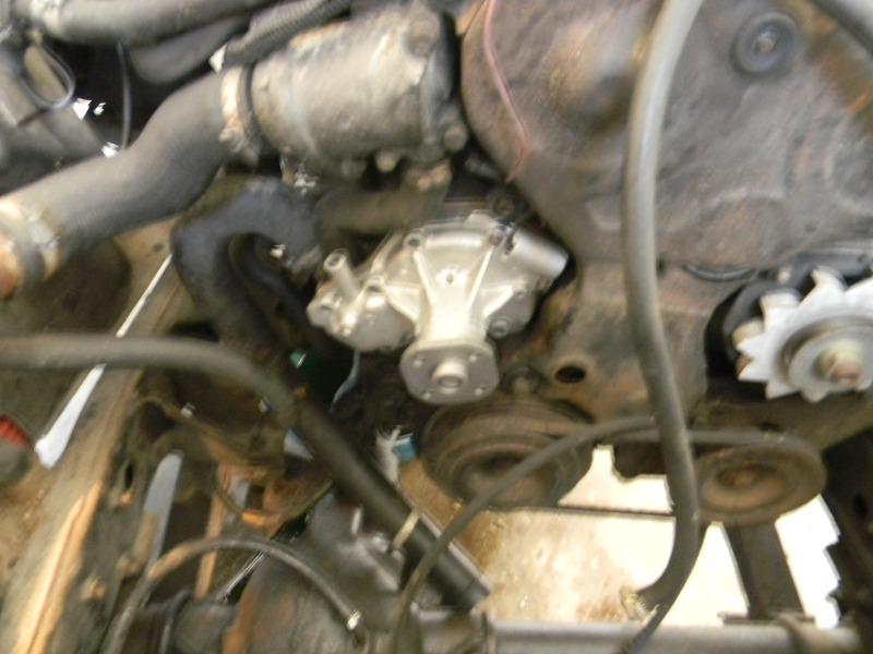 Changement de la pompe à eau sur les moteurs J8S Dscn0719