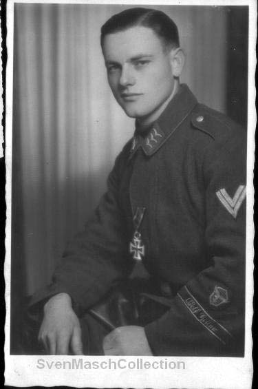 uniforme SS Grossdeutschland .. 113