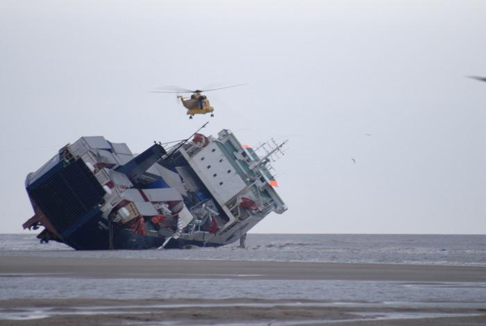 Accidents et tempêtes en mer : les news - Page 3 08_fer12