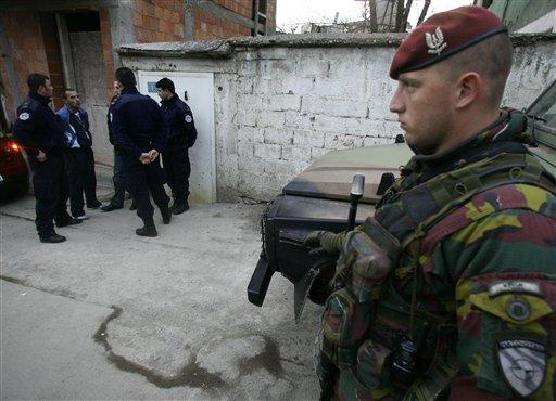 Kosovo - KFOR : les news - Page 2 33641611