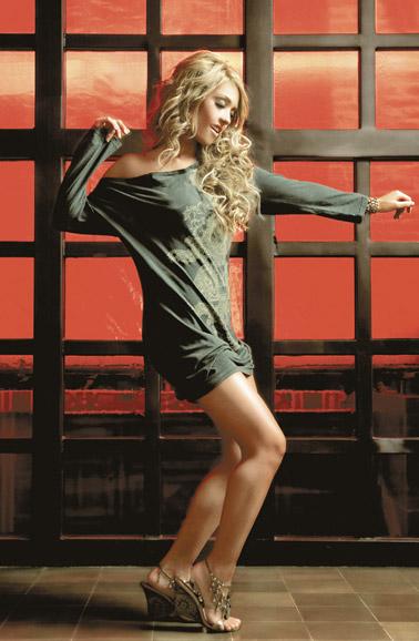 Style de Mia Colucci Anahi112