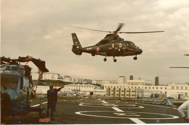 [ Aéronavale divers ] Hélicoptère DAUPHIN - Page 2 Numeri19