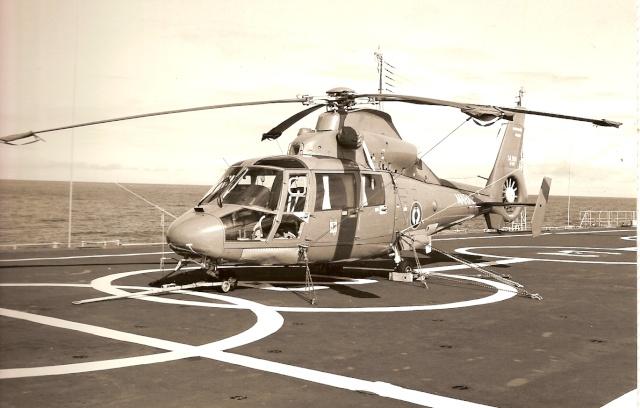 [ Aéronavale divers ] Hélicoptère DAUPHIN - Page 2 Numeri20