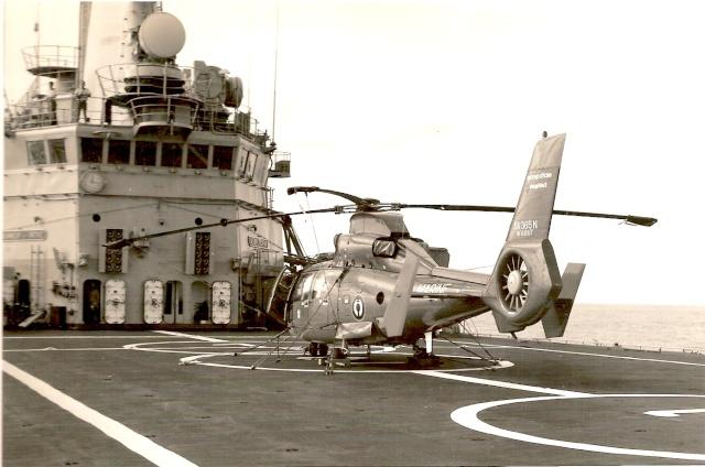 [ Aéronavale divers ] Hélicoptère DAUPHIN - Page 2 Numeri21