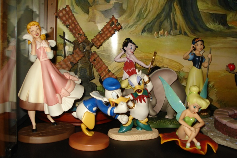 Walt Disney Classics Collection - Enesco (depuis 1992) - Page 38 Vitrin14