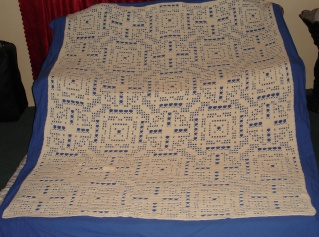 Light & Lacey and Geometric Afghans Published Dsc01112