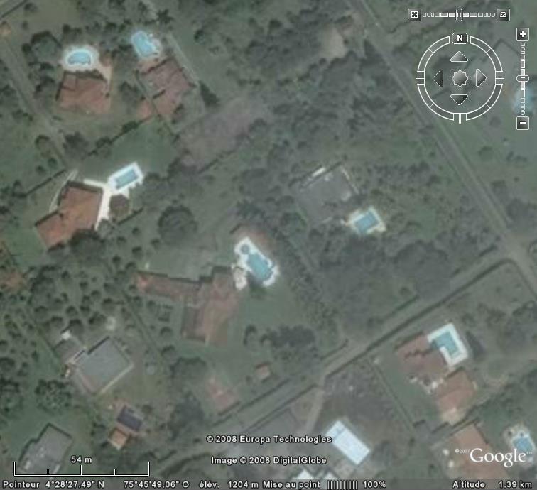 Les piscines du Monde découvertes avec Google Earth - Page 6 Piscin11