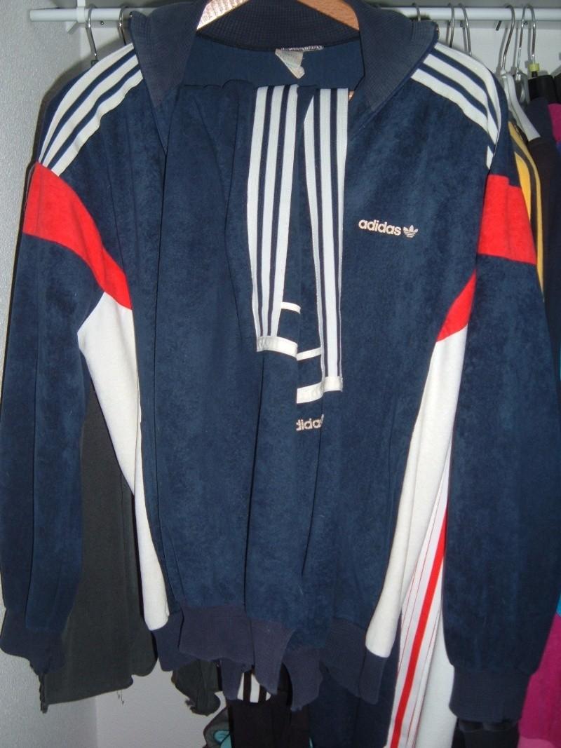 ... adidas challenger classique portait en 1980 par l équipe de france ( bleu  blanc rouge logique non   ) à l époque nike n avait pas encore remporté le  ... 333f179af2f3