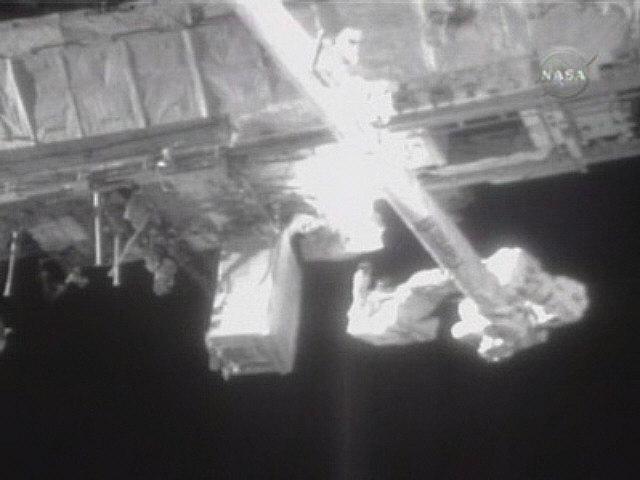 [STS122] EVA2 Snap0211