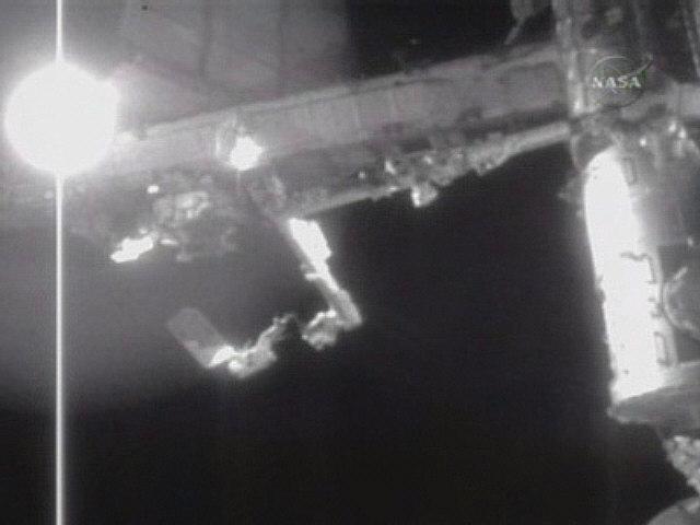 [STS122] EVA2 Snap0212