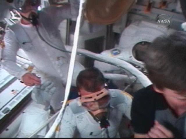 [STS122] EVA1 Temp110