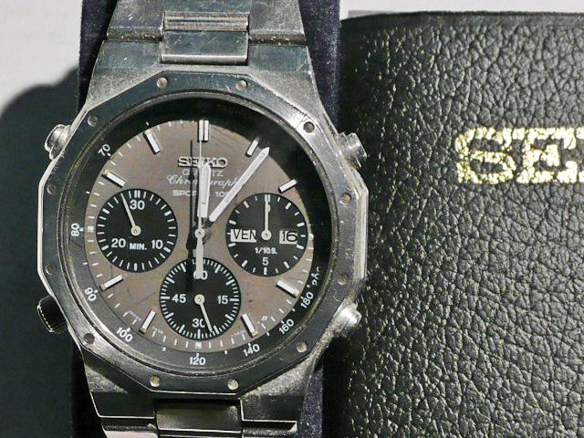 La montre qui vous a fait aimer les montres - Page 2 P1000816