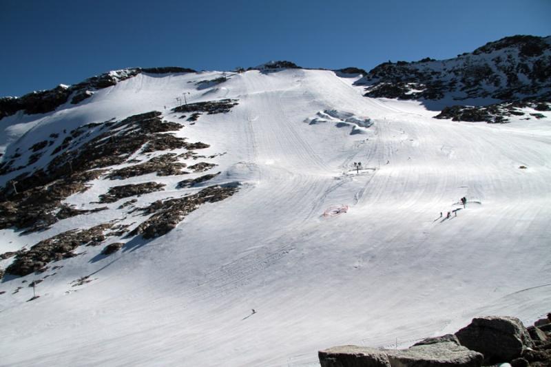 Neige et ski à l'étranger - Page 2 Moel1a10