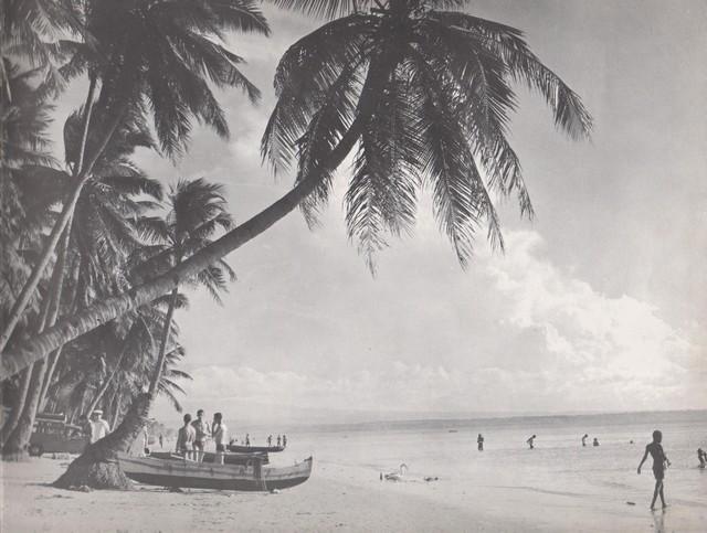 [Opérations diverses] ALBUM du CLEMENCEAU - Pacifique 1968 Clem1710