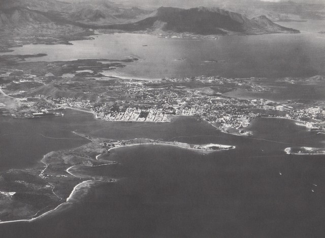 [Opérations diverses] ALBUM du CLEMENCEAU - Pacifique 1968 Clem2410