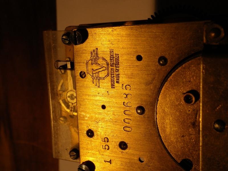 Breitling - Pour faire identifier son mouvement : C'est ici  ! - Page 4 Imgp0318