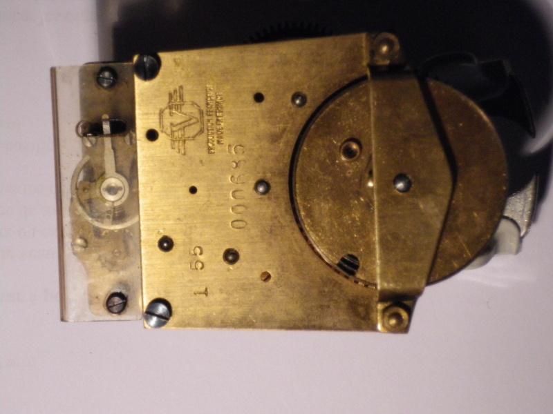 Breitling - Pour faire identifier son mouvement : C'est ici  ! - Page 4 Imgp0319