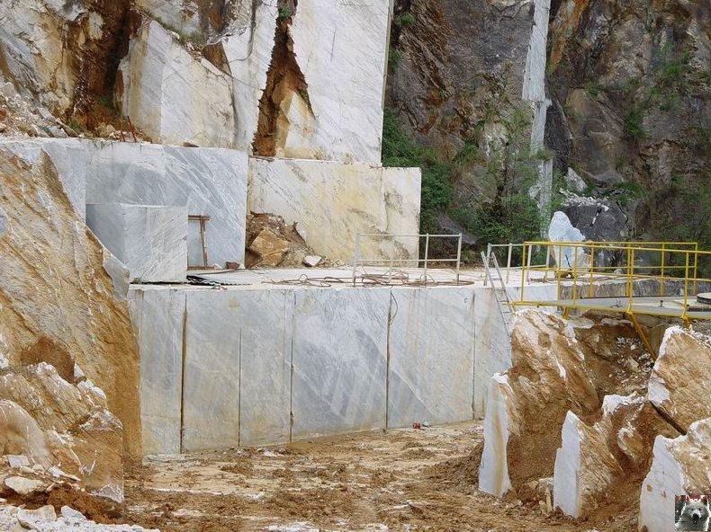 Marbre Blanc de Carrare, Toscane, Italie. 000410