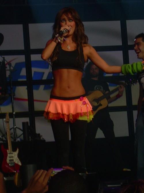 Anahi-slike sa raznih koncerata 91410