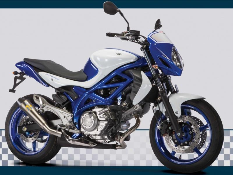 Une Benelli de 1236 cc, 160cv et Bleue..... Suzuki10