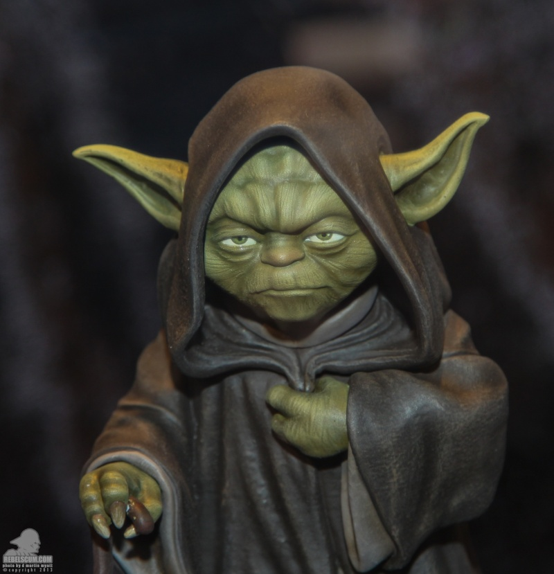 Gentle Giant - Yoda Hoth Statue Sdcc_214