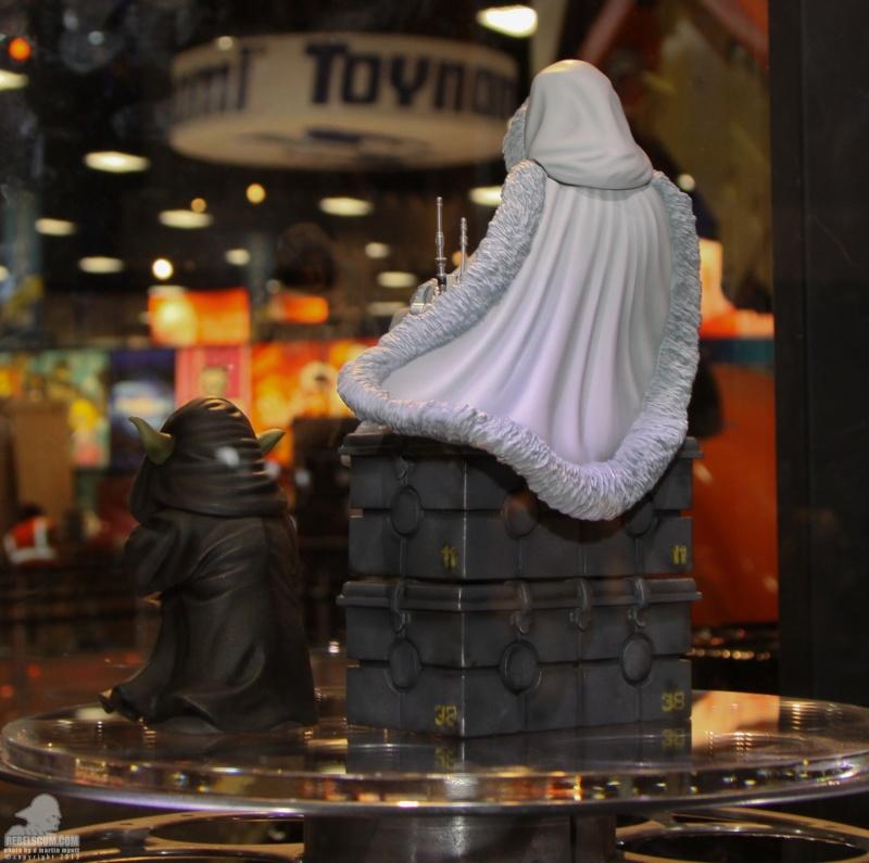 Gentle Giant - Padme Amidala Statue Sdcc_220