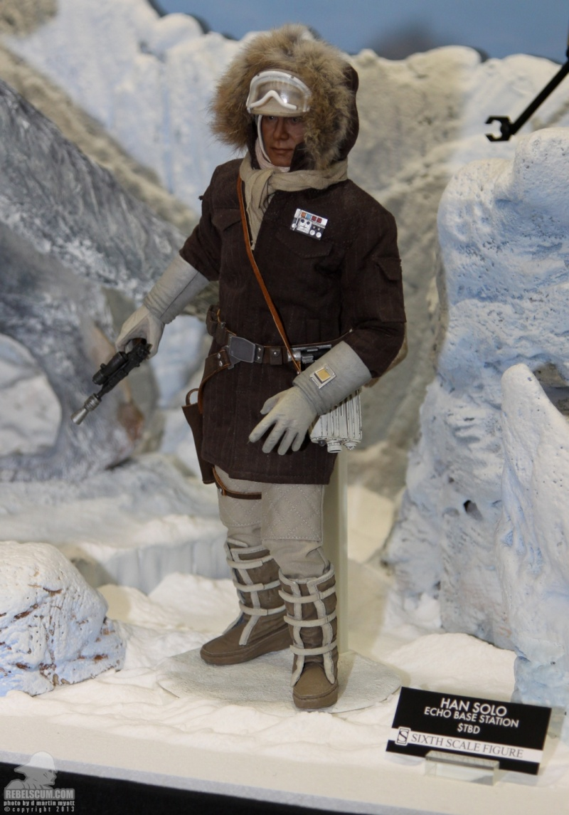 Sideshow Collectible - Luke, Han & Tauntaun Hoth Planet Sdcc_238