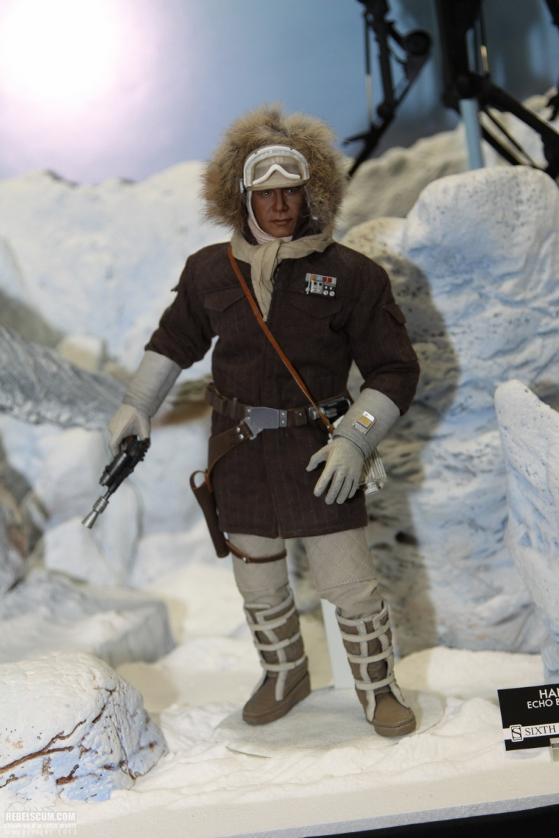 Sideshow Collectible - Luke, Han & Tauntaun Hoth Planet Sdcc_239