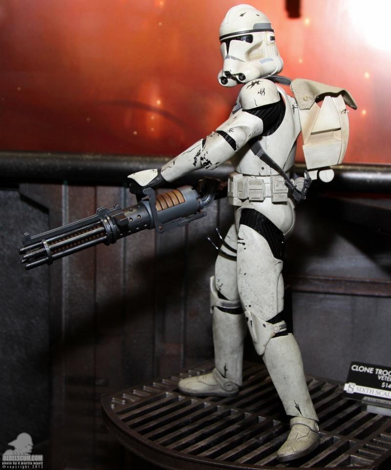 Sideshow - Clones Troopers Deluxe Sixth Scale Figure  Sdcc_250