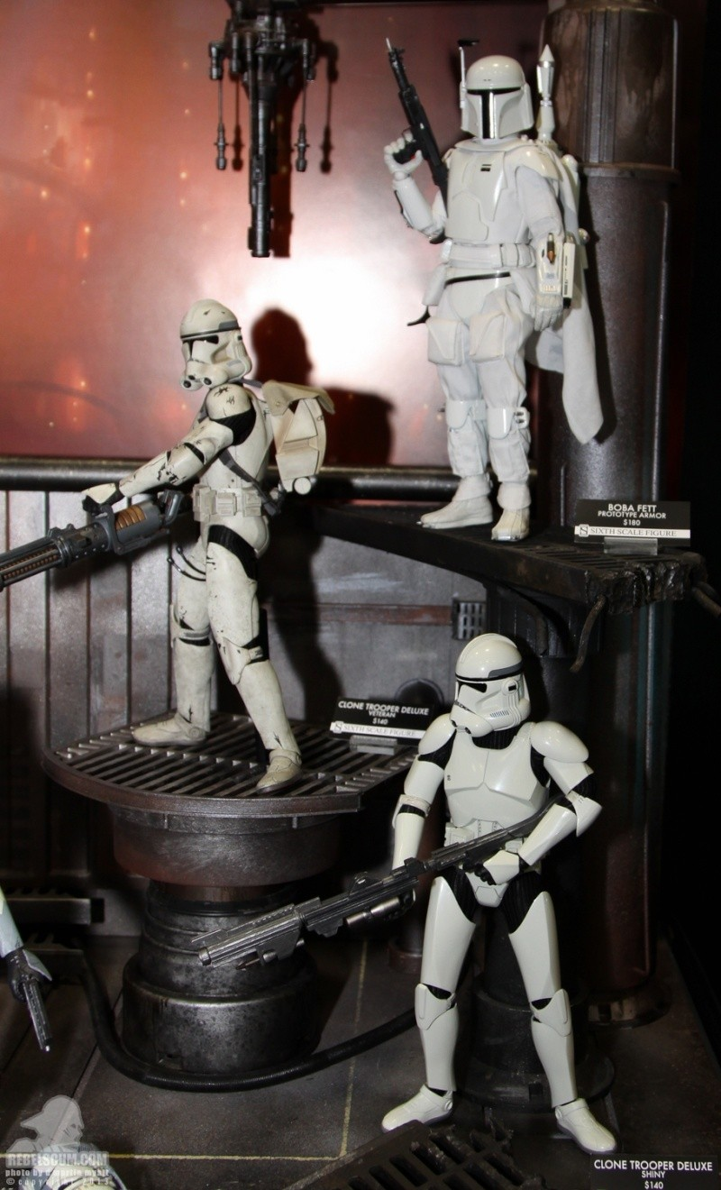 Sideshow - Clones Troopers Deluxe Sixth Scale Figure  Sdcc_252