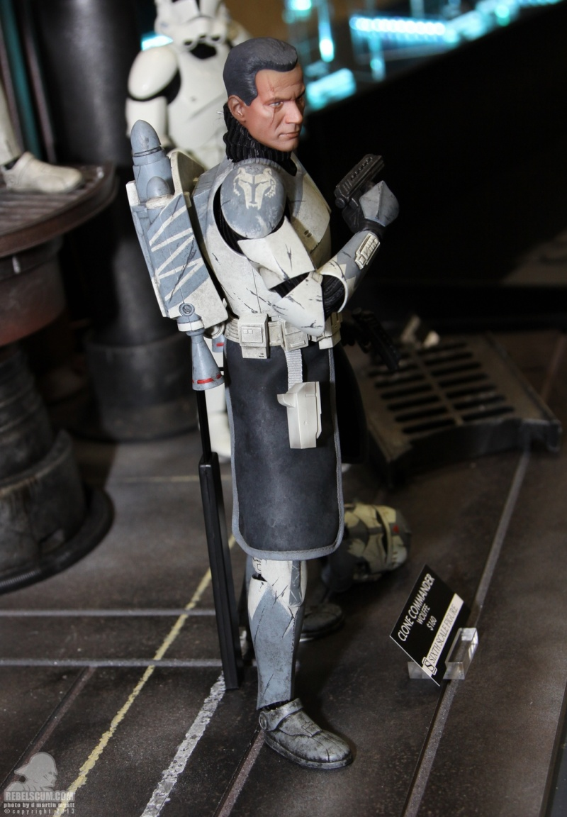 Sideshow Collectibles 1/6 Scale Clone Commander Wolffe  Sdcc_255
