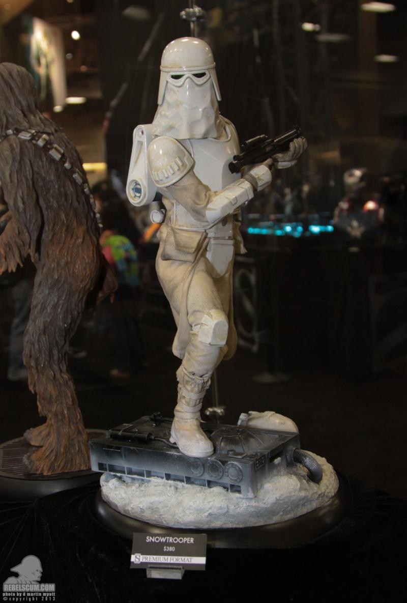 Sideshow Collectibles - Snowtrooper Premium Format Figure Sdcc_271