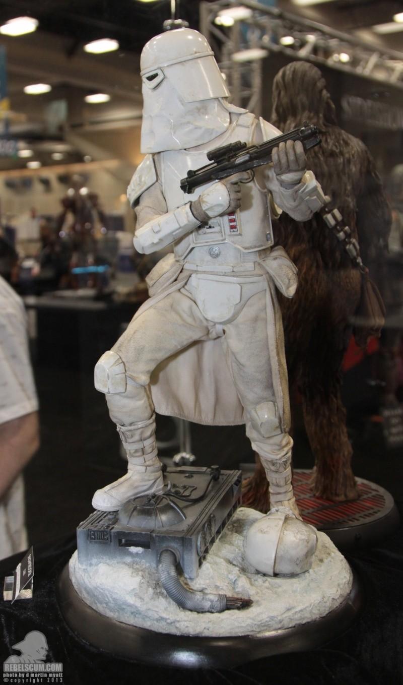 Sideshow Collectibles - Snowtrooper Premium Format Figure Sdcc_272