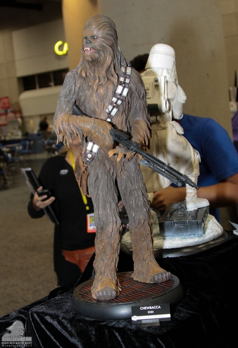 Sideshow - Chewbacca Premium Format - Page 2 Sdcc_276