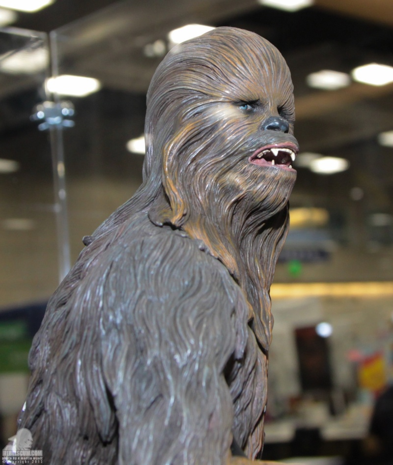 Sideshow - Chewbacca Premium Format - Page 2 Sdcc_279