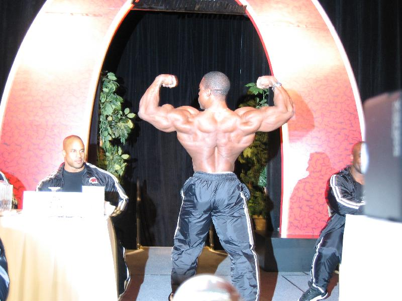2004 - Mr. Olympia 2004 & 2005 en photos... Img_0110