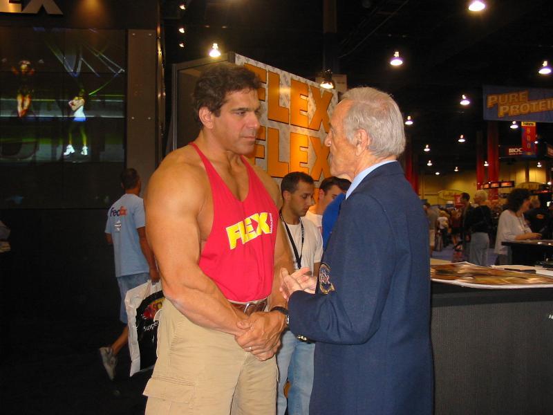 2004 - Mr. Olympia 2004 & 2005 en photos... Img_2010