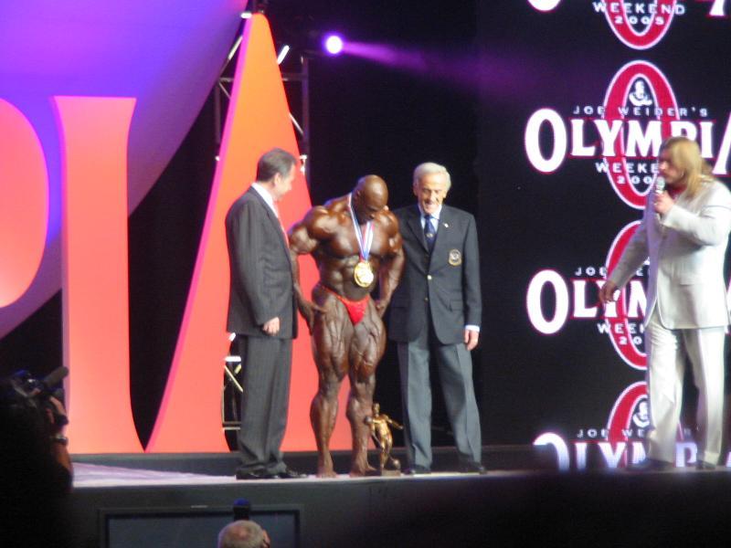 2004 - Mr. Olympia 2004 & 2005 en photos... Img_3312