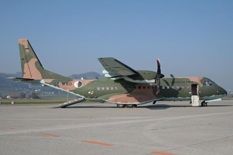 طائرة النقل التكتيكيه Casa C-295 11740410