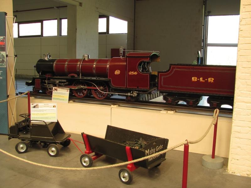Vue au musée Mahymobiles à Leuze (B) Loco_012