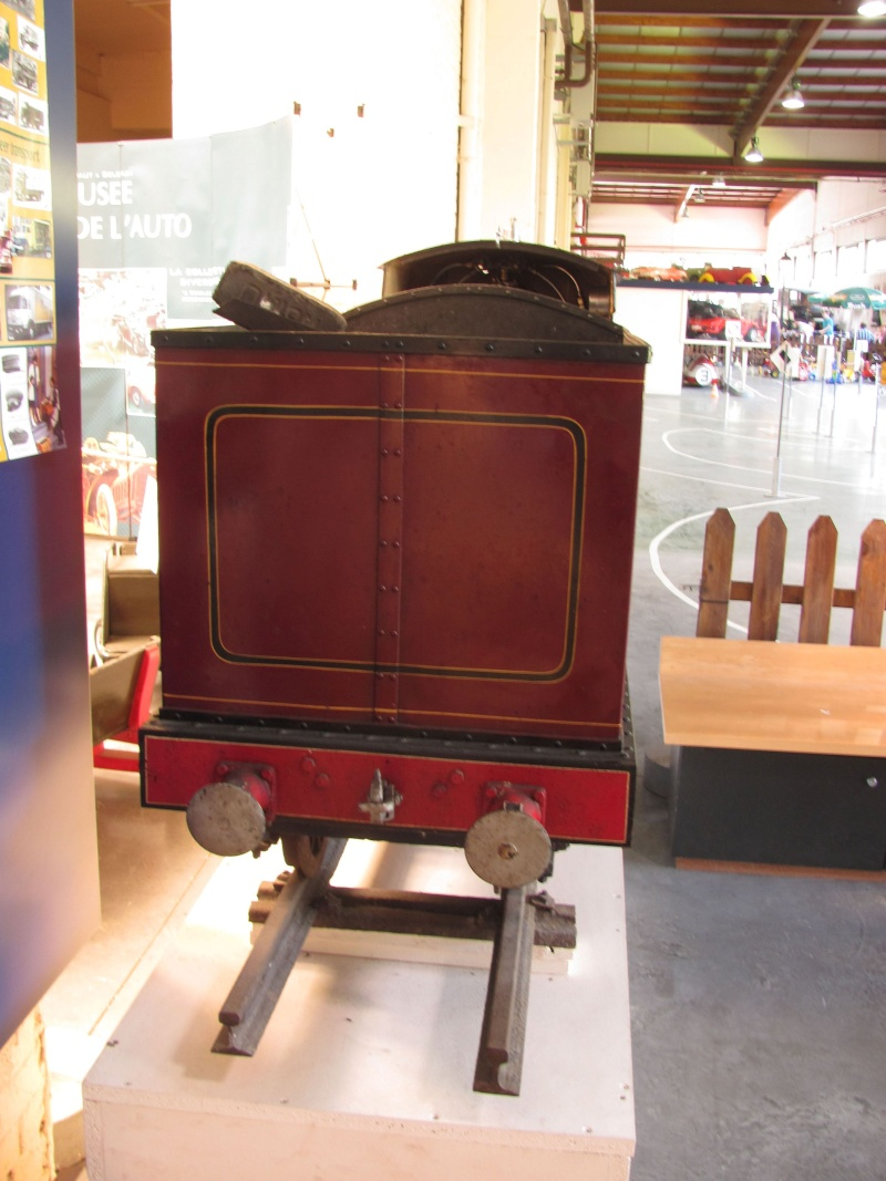 Vue au musée Mahymobiles à Leuze (B) Loco_014