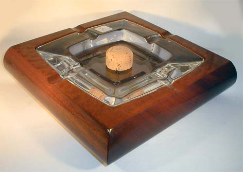 praktične pepeljare za pipe Pc203010