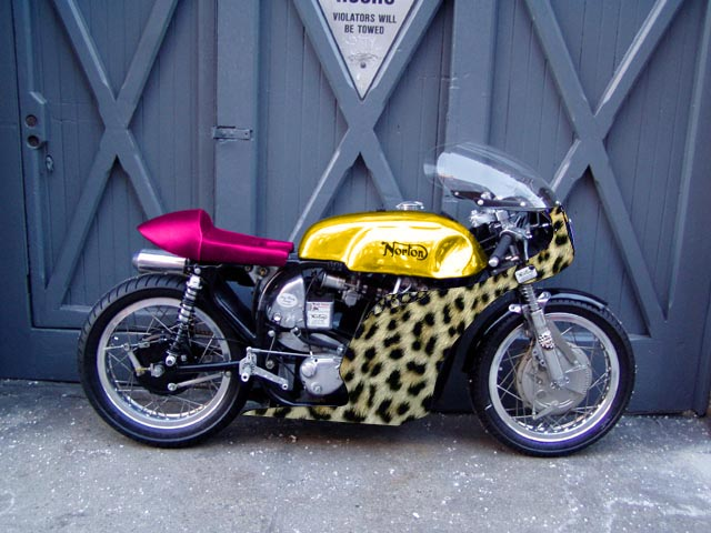 NORTON COMMANDO 1975 MKIII Racer_10